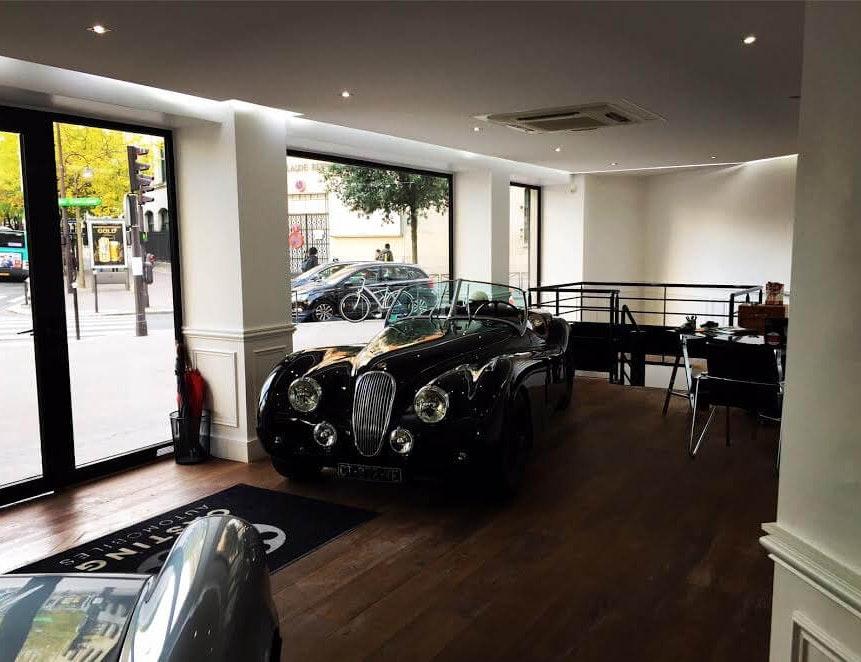 photo Salon d'exposition automobile vintage Renovar